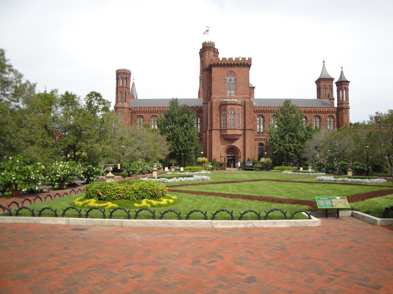 formal garden at Smithsonian
