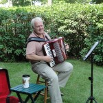 The Red Wing Garden Tour featured accordian players. What's not great about that!